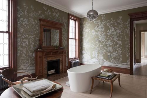 эклектичная ванная комната с камином, еклектична ванна кімната з камином