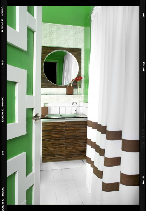 Сучасна ванна кімната з яскравим дизайном, современная ванная комната с ярким дизайном